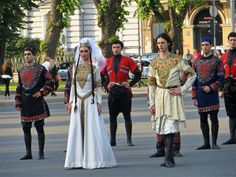 Ttraditional dress of Georgia: A photo by Vadiroma - info about clothing and history.