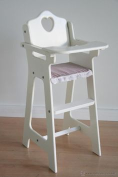 Baby Doll Furniture, Smart Furniture, Furniture Projects, Furniture Plans, Kids Furniture, Furniture Design, Wooden Baby High Chair, Best Baby High Chair, Baby Chair