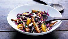 Punakaali-juures-appelsiinisalaatti Fruit Salad, Cobb Salad, Vegan Recepies, Xmas Food, Kung Pao Chicken, Mozzarella, Pasta Salad, Side Dishes, Cooking Recipes