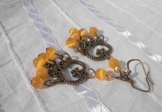 Yellow Cats Eye Heart Bronze Earrings from juta ehted - my jewelry shop by DaWanda.com
