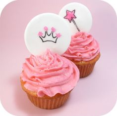 Google Image Result for http://thedecoratedcookie.com/wp-content/uploads/2012/01/rdcupcake3.jpg