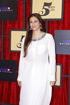 Top 10 Actress still Unmarried at Tanishaa Mukerji, Karan Kundra, Simple Kurta Designs, Tabu, Indian Fashion, Womens Fashion, Bollywood Actress Hot Photos, Indian Film Actress, Indian Designer Wear