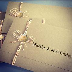 Convite ideal para você que vai casar ou comemorar seu aniversário à beira-mar. Balgraphic muito mais que um convite: qualité et originalité. Conheça mais modelos: http://www.fabricadeconvites.com.br/loja/
