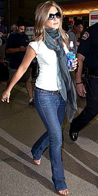 jeans and white T Classic ♥♥ Jennifer Aniston