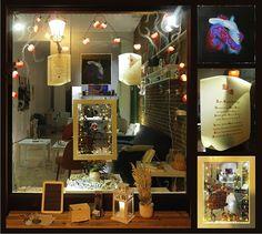 Valentinstags-Schaufenster (2015) des Klunkerfisch-Ladens in Halle (Saale)