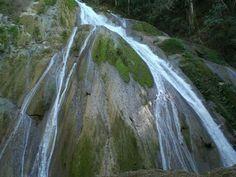 Catarata Velo de Novia Cerro Escondido Puntarenas Costa Rica by Lucía Miranda