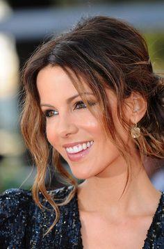 Kate Beckinsale. Beautiful make up & hair. And I'll take those earrings too.
