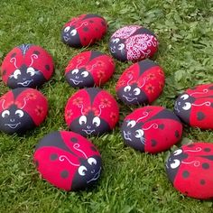 #coccinelle #ladybug #animal #natura #nature #Natural #art #rockart #rockpainting #sassidipinti #pedraspintadas #hobby #handmade…