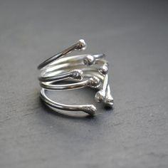SUPER cute ring idea!