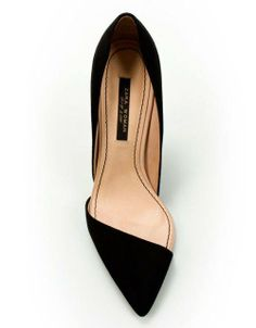 This shoe, it's so sleek and sexy. Definitely a shoe to turn heads and stop traffic.