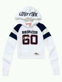 Wish it had DENVER on the hood instead of Love pink. Denver Broncos Cake, Nfl Broncos, Denver Football, Broncos Apparel, Sports Apparel, Pullover Hoodie, Guys And Girls, Hoodies, Sweatshirts