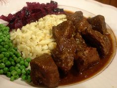 Hungarian Goulash Old Recipes Old Recipes, Family Recipes, Family Meals, Healthy Recipes, Cooked Red Cabbage, Red Cabbage Recipes, Food Dishes, Main Dishes, Goulash Recipes