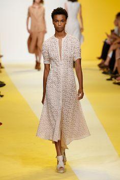 AKRIS NYFW SS17 – fashiontv.com