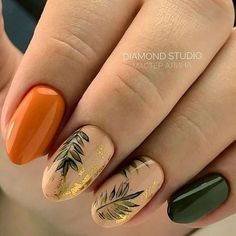 Nail art Christmas - the festive spirit on the nails. Over 70 creative ideas and tutorials - My Nails Fall Nail Art Designs, Nail Polish Designs, Nail Design, Autumn Nails, Winter Nails, Love Nails, My Nails, Nagellack Design, Wedding Nails Design