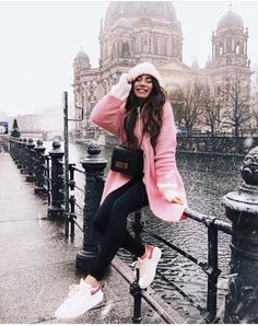 travel poses ideas Winter is part of Best Winter Poses Images Couple Photos Couple - Berlin Photography, Winter Photography, Photography Poses, Couple Photography, London Winter, Outfits Winter, Winter Travel Outfit, Winter Instagram, London Instagram