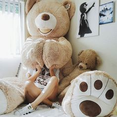 Big teddy bear......who wouldn't want one to cuddle with.....