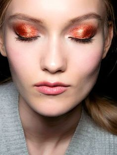 """Preview """"New Year's Eve: Makeup Ideas"""" 