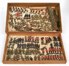 Large collection of Britains lead soldiers, various infantry,… - Militaria - Toys & Models - Carter's Price Guide to Antiques and Collectables