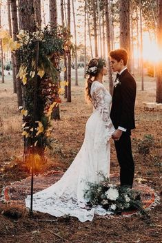 boho chic bride and groom wedding photo ideas wedding photos 40 Boho Chic Outdoor Wedding Ideas - Oh Best Day Ever Wedding Photography Poses, Wedding Poses, Wedding Photoshoot, Wedding Groom, Boho Wedding, Dream Wedding, Wedding Dresses, Wedding Ideas, Stunning Photography