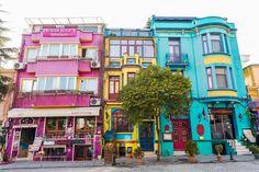 Colourful buildingsin the historical Sultanahmet, Istanbul | © Resul Muslu/Shutterstock