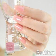 """Si buscas un color delicado, el #Bettina Nail Enamel en color """"Silk"""" es para tí...#nails #nailenamel #nailpolish #manicure"""