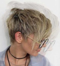 Pixie cuts are so versatile nowadays and long pixie cuts getting more and more popular. So here are the pics of 20 Longer Pixie Cuts We Love! Pixie cuts are. Edgy Short Hair, Short Haircuts With Bangs, Edgy Hair, Short Hair Cuts For Women, Short Hairstyles For Women, Ladies Hairstyles, Pixie Hairstyles, Cool Hairstyles, Blonde Hairstyles