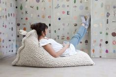 221380137905182764 Brainstorming a DIY Pouf   Claire Zinnecker for Camille Styles-yeah! I figured it out!
