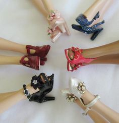 Amazing handmade shoes by this artisan at Dolls Cobbler. Everyone in our circle wears Dolls Cobbler Barbie E Ken, Barbie Shoes, Doll Shoes, Barbie Clothes, Barbie Dolls, Buy Shoes, Me Too Shoes, Fashion Dolls, Fashion Shoes