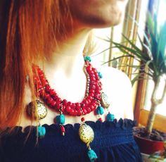 Our stunning Coral & Brads Pod Necklace ॐ www.ohmboho.com ॐ #ohmboho #jewellery #jewelry #necklace #coral #brass #redhead #boho #bohemian #hippy #hippie #ethnic #gypsy #native #indie #inspiration #festivalstyle
