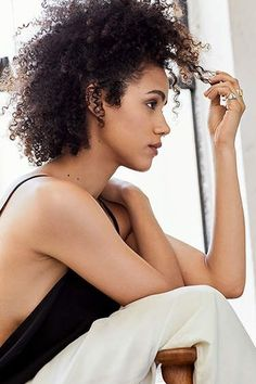 4 Simple and Stylish Ideas Can Change Your Life: Wet Bun Hairstyles women afro hairstyles makeup.Older Women Hairstyles everyday hairstyles up dos.Everyday Hairstyles How To. Wedge Hairstyles, Hairstyles With Bangs, Messy Hairstyles, Wedding Hairstyles, Updos Hairstyle, Beehive Hairstyle, Hairstyles 2018, Feathered Hairstyles, Brunette Hairstyles