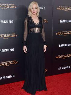 Jennifer Lawrence en Christian Dior Couture pour la première du film Hunger Games - La Révolte : Partie 2 à Londres.