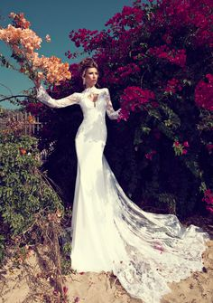 Julie Vino Wedding Dresses 2014 Fall/Winter. To see more: http://www.modwedding.com/2014/05/15/julie-vino-wedding-dresses-2014-fall-winter/ #wedding #weddings #fashion