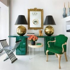 A must see! Get the look of this stunning room with emerald green accents in your own home! {img via interior holic}