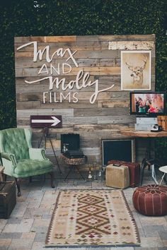 16 Amazing Wedding Photo Booth Backdrops for 2019 Trends - EmmaLovesWeddings vintage wedding photo booth backdrop ideas. Wedding Expo Booth, Bridal Show Booths, Wedding Photo Booth, Backdrop Wedding, Rustic Photo Booth, Photowall Ideas, Vitrine Design, Video Backdrops, Photos Booth