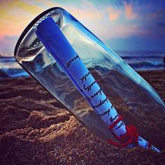 """""""Le canzoni d'amore sono messaggi in bottiglia senza tempo che possono dare un senso ad un tempo senza colore""""  #davidemelis #cantautore #italiano #pensieri #poesia #musicaitaliana #album #lorifarei #secondome #secondoMelis #volevodirtiche #aforismi"""