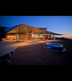 La maison Wing House de nuit