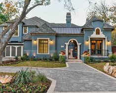 Top 50 Best Exterior House Paint Ideas - Color Designs Stucco Homes, Stucco Exterior, Building Exterior, Exterior Color Schemes, House Color Schemes, Exterior Paint Colors For House, Paint Colors For Home, Stucco House Colors, Stucco Paint