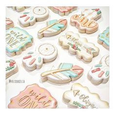 Feather Design, Decorated Cookies, Cookie Decorating, Sugar Cookies, Birthday, Desserts, Instagram, Tailgate Desserts, Birthdays