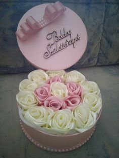 Flower Box Gift, Flower Boxes, Diy Crafts Videos, Knit Crochet, Birthday Cake, Knitting, Desserts, Handmade, Gifts