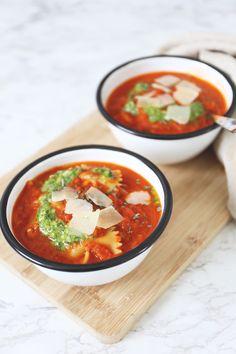Tomatensoep met pasta - Lekker en Simpel