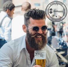 Medium length hair styles are the trend these days when it comes to men's looks. These styles are simple to create and give men suave and well groomed looks with a bit of flair. Mens Medium Length Hairstyles, Slick Hairstyles, Long Beard Styles, Hair And Beard Styles, Damp Hair Styles, Medium Hair Styles, Man Ponytail, Beard Images, Samantha Images