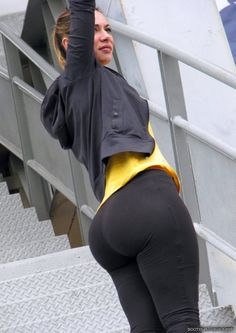 Advise Girls in yoga pants pussy hole apologise, but