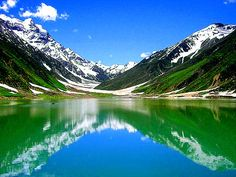 The Guardian positioned Lake Saif ul Malook as the Best Tourist Destination in Pakistan. Lake Saiful Muluk is a beautiful lake in actual fact. The lake is located at the northern end of the Kaghan Valley in close proximity to Naran. Beautiful Places In The World, Oh The Places You'll Go, Places To Travel, Places To Visit, Beautiful Scenery, Amazing Places, Beautiful Sites, Beautiful Landscapes, Dream Vacations
