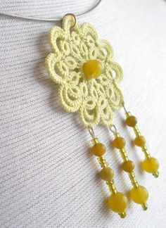 Pale green lace necklace floral tatted Sleeping