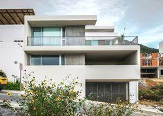 Балконы и террасы занимают половину п+0 архитектуры ИПЕ дом