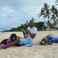 5 μεγάλες, ευρύχωρες παραλίες στην Αττική για τις πρώτες βουτιές -Για μπάνιο με άπλα και ασφάλεια | BOVARY Beach Mat, Outdoor Blanket, Sports, Hs Sports, Sport