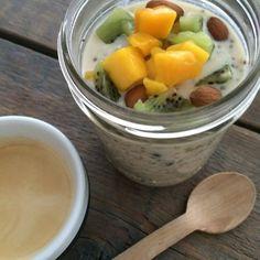 Bircher muesli Bircher Muesli, Overnight Oats, Cantaloupe, Foodies, Breakfast Recipes, Yoghurt, Fruit, Eat, Healthy