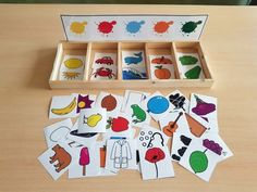 TEACCH-type manipulative material to play in a discriminatory way … - Kinderspiele Preschool Learning Activities, Toddler Activities, Preschool Activities, Kids Learning, Emotions Preschool, Preschool Colors, Color Montessori, Teaching Aids, Kids Education