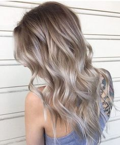 Slightly Dark Ombre Long Layered Hairstyles 2018 for Women to Look Trendy and Chic