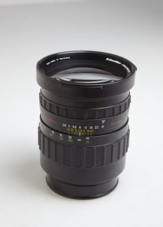Used: 180mm f/2.8 PQ Schneider lens for Rolleiflex Hy6 and 6000 series cameras